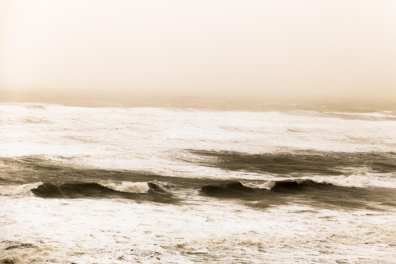 סופת חול בחוף תל ברוך, מונוכרום, צבע. דצמבר 2018 (2)